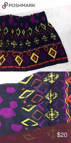 DOLCE VITA tribal print pleated mini skirt Brand : dolce vita  Size : M  Condition : perfect condition     Measurements :  Length : 18in  Waist : 16in     *pleaded mini  *zipper at back Dolce Vita Skirts Mini