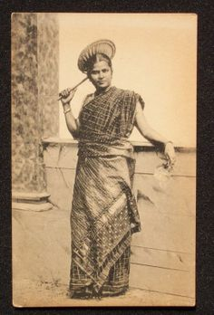 1910s+Tamil+Girl+Sri+Lanka+Ceylon+Postcard Asian History, Women In History, Old Pictures, Old Photos, Sri Lanka, Forest People, Tamil Girls, Vintage India, Flare