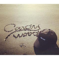 【candywood.tokyo】さんのInstagramをピンしています。 《PLATE LOGO CANDYWOOD CAP  on the BEACH ☆  #plate#logo#candywood#cap#originalcap#new#black#hotitem#onthebeach#japan#tokyo#headwear#kouenji#プレート#ロゴ#キャンディウッド#オリジナル#キャップ#ブラック#新色#人気#海#ビーチ#由比ヶ浜#日本#東京#高円寺帽子屋キャンディウッド#高円寺帽子屋candywood#帽子屋candywood#帽子屋キャンディウッド ☆BLOG→ http://s.ameblo.jp/candywood-555 ☆WEBSHOP→ http://candywood555.shop-pro.jp/ ✨秋冬物商品続々入荷中です✨🎩 是非CANDYWOODへご来店くださいませ✨》