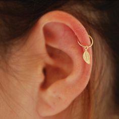 Tiny Cartilage Earring tiny leaf gold hoop gold por junelittleshop