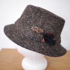 35444fab1dc1f Vintage HANNA Hats Ireland Donegal Wool Tweed Woven Bucket Fedora Rain Hat  Med Rain Hat