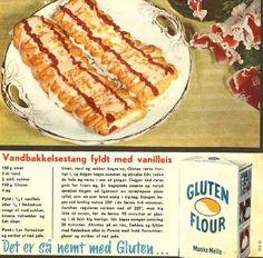 Vandbakkelsestang fyldt med vanilleis... Danish Dessert, Danish Food, Sweets Cake, Dinner Is Served, Vintage Recipes, Sweet Bread, I Love Food, No Bake Cake, Hot Dog Buns