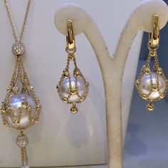 Lavalier Collection from @paspaleypearls