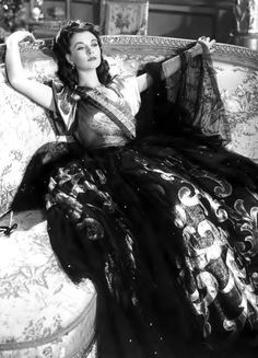 """The Golden Age of Hollywood.Vivien Leigh in """"That Hamilton Woman"""", directed by Alexander Korda, Golden Age Of Hollywood, Vintage Hollywood, Hollywood Glamour, Classic Hollywood, Hollywood Jewelry, Hollywood Style, Scarlett O'hara, Vivien Leigh, Darjeeling"""
