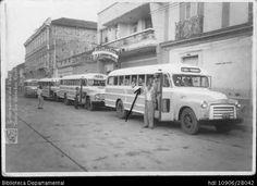 Inauguración de la ruta Cali-Pereira, de la empresa de servicio público Expreso Trejos - Biblioteca Digital - Universidad Icesi.Plaza de Bolívar, Palmira, 1950.
