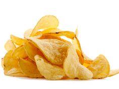 Des chips de pommes de terre sans huile ? C'est simple. Prendre une assiette, la couvrir de film alimentaire et y déposer des lamelles de pommes de terre très fines. Placer l'assiette au four à micro-ondes à puissance maximum pendant 90 secondes. Un soupçon de sel, et c'est prêt !