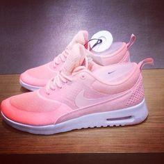 big sale 37a9f 14c82 Pink Nike Running, Nike Free Runs, Running Shorts, Sneakers Nike, Nike  Trainers