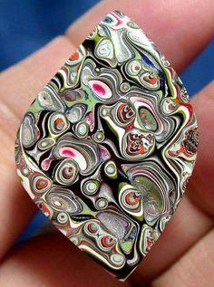 Solid Detroit Agate / Fordite Cabochon MOTOWN SWIRL by suzybones (old paint layers from car factory) Minerals And Gemstones, Crystals Minerals, Rocks And Minerals, Stones And Crystals, Gem Stones, Cool Rocks, Rocks And Gems, Natural, Agates