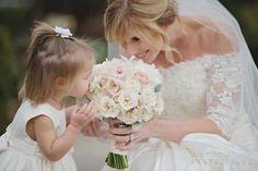 Wedding photography - flowergirl www.wendyalanaphotography.com ©Wendy Alana Photography