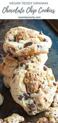 These cute Teddy Graham Chocolate Chip Cookies are so adorable! You almost don't want to eat them! But how can you resist something so good and chewy, so you eat it anyway and realize you just made one of the best decisions ever!   #namelymarly #teddygraham #chocolatechipcookies #vegan Amazing Cookie Recipes, Best Cake Recipes, Incredible Recipes, Best Vegan Recipes, Vegan Dessert Recipes, Amazing Cakes, Sweet Recipes, Snack Recipes, Quick Cookies