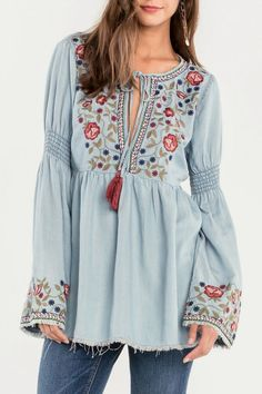 Embroidered bell sleeve top.       #boho #bohemian #fashion #Dress