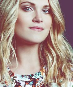 Eliza Taylor - 24 October 1989 - mid 20's