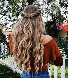 Easy half up half down hairstyle,easy half up hairstyle in 1 min,boho hairstyle,. - Hair and Beauty Curly Hair Braids, Long Braids, Curled Hair Prom, Fishtail Braids, Braided Prom Hair, Kinky Hair, Prom Hair With Braid, Braids And Curls, Blonde Prom Hair