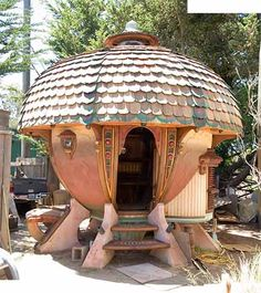 Lloyd's Blog: Vin's Acorn Pod Sauna,  What???!!!!!!!!!
