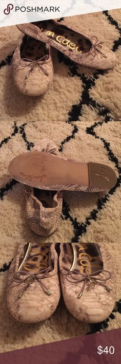 Sam Edelman Felicia bow ballet flat. Sz7.5 Dam Edelman Felicia bow ballet flats in size 7.5. True to size with a medium width. Very soft.These are in excellent Pre-Loved condition. These are no signs of wear.These flats are still being sold in stores today for $119.95. Get them today for much less. A delicate logo charm adorns the bow-trimmed toe of a charming ballet flat.Offers accepted through OFFER BUTTON ONLY 👇🏾 Sam Edelman Shoes Flats & Loafers