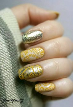 Mustard nails with nail art in silver and white stamping. Jade - Curry…
