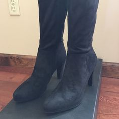 WOMEN'S BLACK SUEDE BOOTS WOMEN'S BLACK SUEDE BOOTS EXCELLENT CONDITION WORE ONCE👢. Great for Fall!!!!🍂🍁 Tahari Shoes Heeled Boots