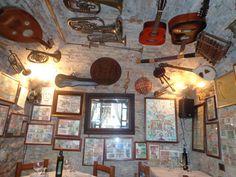 """Ein """"posto segreto"""", orignelles Interieur, umbrische Küche ..."""