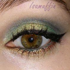Un maquillaje de fiesta en verde y dorado paso a paso