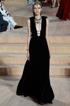 Valentino Fall 2015 Couture Runway - Look 58 of 59