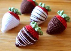 Crochet Pattern: Chocolate Covered Strawberries | Crochet Spot | Bloglovin'