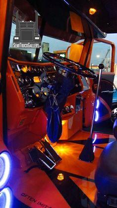 SemiTruckGallery.com © | Custom Semi Trucks Gallery