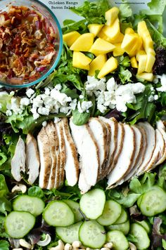 This fresh Chicken Mango Bacon Salad is scrumptious, especially with grilled chicken and a sweet orange dressing. Salad Bar, Soup And Salad, Cobb Salad, Clean Eating, Healthy Eating, Healthy Food, Bacon Salad, Main Dish Salads, Rabbit Food