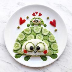 Turtle food art by D A R Y N A K O S S A R (@darynakossar)