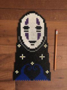 Totoro Chihiro Kiki et ses amis Perler Bead Designs, Hama Beads Design, Hama Beads Patterns, Beading Patterns, Kandi Patterns, Perler Beads, Perler Bead Art, Fuse Beads, Totoro