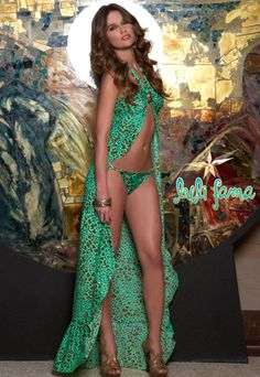 <3<3 this for a pool party