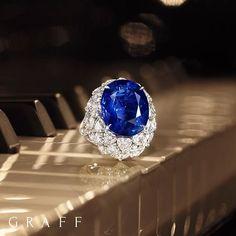 Rhapsody in blue. Graff Jewelry, High Jewelry, Jewelry Rings, Jewellery, Rhapsody In Blue, Jewelry Patterns, Ring Designs, Sapphire, Jewelry Design
