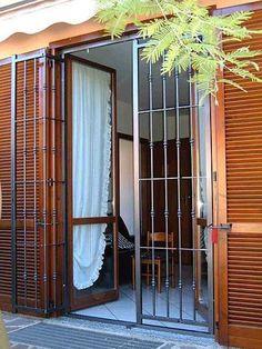 Home Window Grill Design, Iron Window Grill, Grill Door Design, Door Gate Design, Iron Windows, Iron Doors, Modern Windows And Doors, Steel Gate Design, Balcony Grill