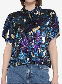 Mystical Icons Velvet Girls Crop Woven Button-Up Girls Crop Tops, Trendy Tops, Guys And Girls, Hot Topic, Mystic, Button Up, Men Casual, Velvet, Fashion Outfits
