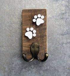 Items similar to Pet Leash Hook - Barn Board on Etsy Dog Crafts, Animal Crafts, Wooden Crafts, Animal Projects, Wood Projects, Dog Leash Holder, Dog Rooms, Wooden Signs, Wood Art