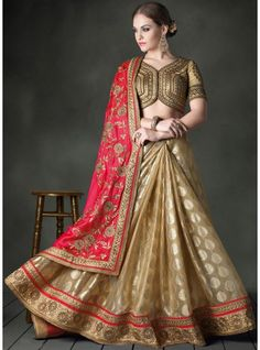 Banasari Butta Placed Over The Skirt In Woven Form Paired Saree-4002