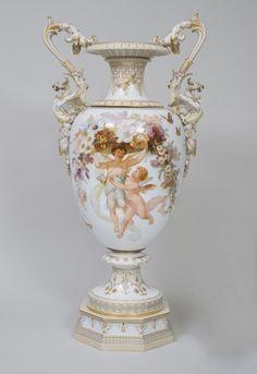 Urn Vase, Vases, Family Foundations, Philadelphia Museum Of Art, Old Antiques, Art Museum, Art Decor, Porcelain, Pottery