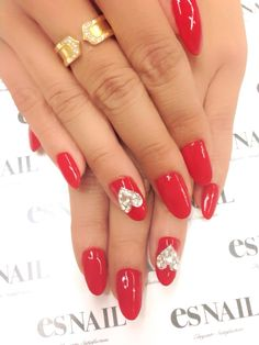 """Love these for Valentine""""s Day but wonder how long they stay on. Nails 2016, Rhinestone Nails, Art Nails, Jelsa, Hair And Nails, Makeup Tips, Rhinestones, Manicure, Nail Designs"""