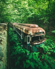 abandoned train express in Mifflin County, Pennsylvania Abandoned Buildings, Abandoned Train, Abandoned Mansions, Abandoned Houses, Abandoned Places, Haunted Places, Old Buildings, Architecture, Beautiful Places