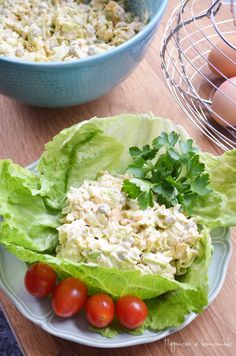 "POLISH FOOD: Leek & eggs mayo salad and a little bit about polish tradition called ""topenie Marzanny"" which means ""drowning of Marzanna"" ‪ ‪ Ham Salad, Soup And Salad, Vintage Recipes, Unique Recipes, Polish Recipes, Polish Food, I Love Food, Good Food, Salad Recipes"