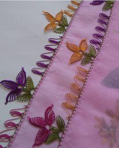 Der Neuen Besten : 38 Easy Needle Lace-modellen waar u dol op zult zijn Crochet Cushion Cover, Crochet Cushions, Baby Knitting Patterns, Helly Hansen, Diy Clutch, Crochet Flower Tutorial, Cross Stitch Tree, Sunflower Tattoo Design, Needle Lace