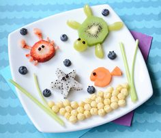This adorable under the sea snack for kids is loaded full of adorable sea creatures and yummy foods.