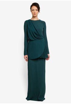 Hijab Style Dress, Hijab Fashion, Fashion Outfits, Green Lace, Party Fashion, Peplum Dress, Evening Dresses, Lace Gowns, Bridesmaid