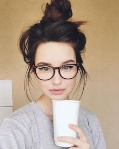 Glasses girl face eyewear for 2019 Cool Glasses, New Glasses, Girls With Glasses, Makeup For Glasses, Glasses For Round Faces, Black Frame Glasses, Cute Glasses Frames, Super Glasses, Womens Glasses Frames