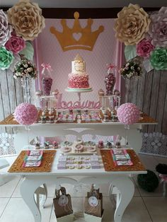 Dream Party's Birthday / Añito Joaquina - Princess - Shabbic Chic - Photo Gallery at Catch My Party Gold Birthday, Princess Birthday, Dream Party, Bookmarks Kids, Holidays And Events, Birthday Parties, Party Ideas, Chic, Pink