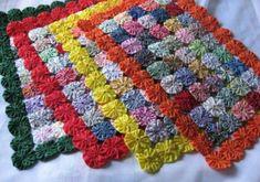 Yo-Yo Placemats - Set of 4 Sewing Crafts, Sewing Projects, Quilt Patterns, Crochet Patterns, Yo Yo Quilt, Mug Rugs, Fabric Scraps, Fabric Flowers, Decor Crafts