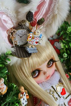 Blythe dolls!! I want them so bad! Just can't get over feeling like a hoarder if I start collecting dolls.