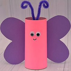These toilet paper roll crafts are a wonderful method to recycle these usually forgotten paper products You can use toilet paper rolls for anything! The post These toilet paper roll crafts are a wonderful met… appeared first on Pinova - Paper Crafts Diy Gifts For Girlfriend, Diy Gifts For Mom, Diy Gifts For Friends, Spring Crafts For Kids, Crafts For Kids To Make, Easy Crafts, Craft Kids, Kids Crafts, Easy Diy