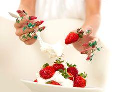 Jordbær negle....