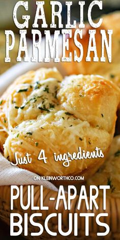 Refrigerator biscuits, Italian garlic butter & Parmesan cheese make these Garlic Parmesan Pull-Apart Biscuits. A simple side with easy family dinner ideas. Vegan Kitchen, Kitchen Recipes, Cooking Recipes, Bread Recipes, Garlic Parmesan, Garlic Butter, Philsbury Recipes, Blog Food, Best Comfort Food