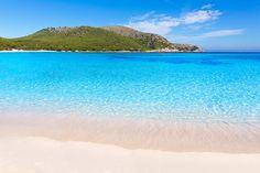Cala Agulla, Capdepera, Majorque. http://www.lonelyplanet.fr/article/les-plus-belles-plages-de-majorque #calaAgulla #Capdepera #plage #Majorque #îles #Baléares #voyage